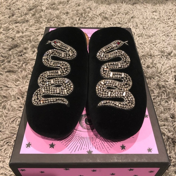 Gucci Shoes - NWT! Gucci Lawrence Snake Slides Size 7.5